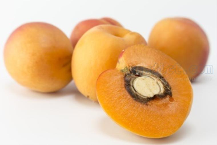 apricot แปลว่า ผลแอปริคอท