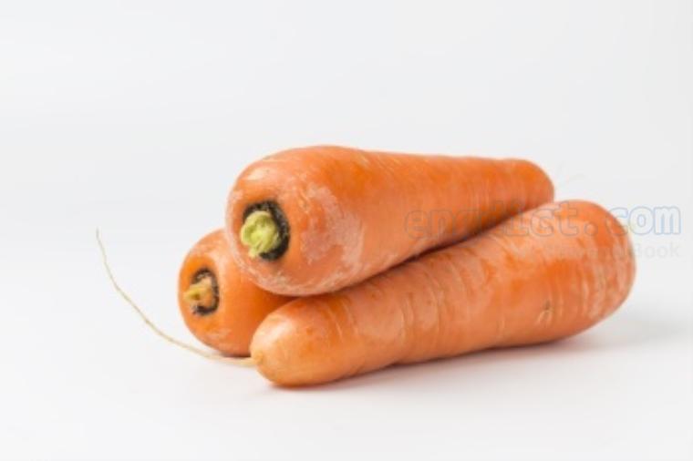 carrot แปลว่า แครอท
